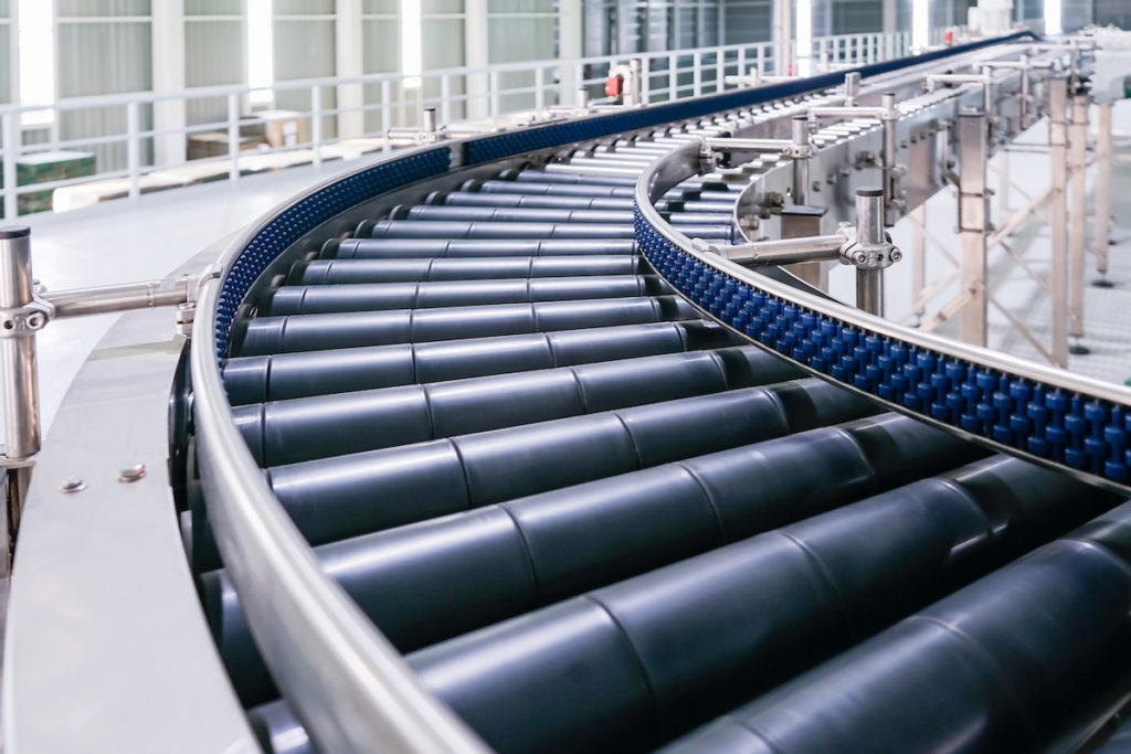 Crossing of the roller conveyor, Production line conveyor roller transportation objects.
